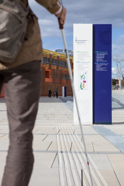 Leitlinien mit Blindem Besucher