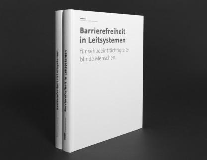 Theorie- und Praxisbuch, Cover und Buchrücken